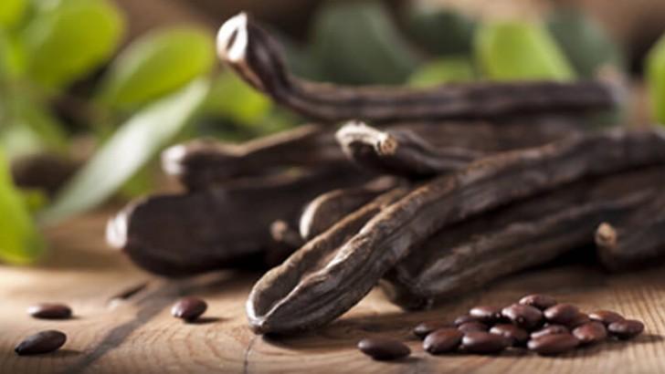 Tloustnete po čokoládě? Vyměňte ji za karob