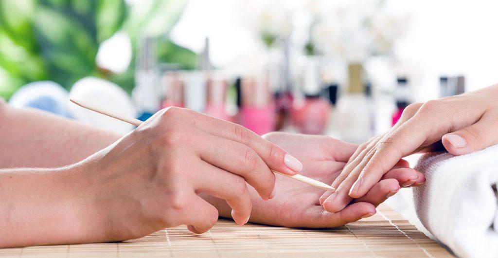 Péče o nehty