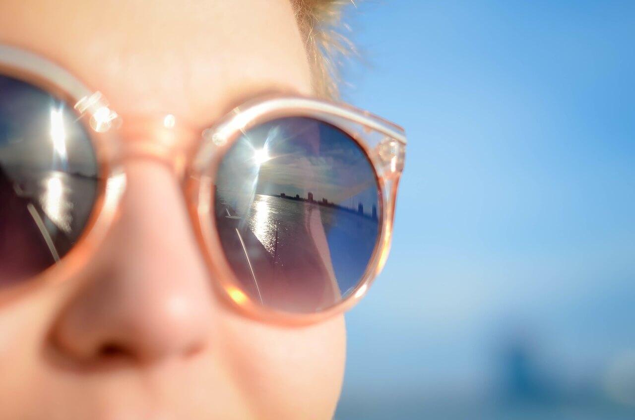 Hranaté obroučky u kulatých brýlí