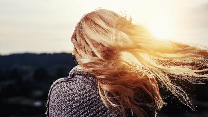 Domácí zesvětlení vlasů: 5 tipů, jak na světlejší vlasy