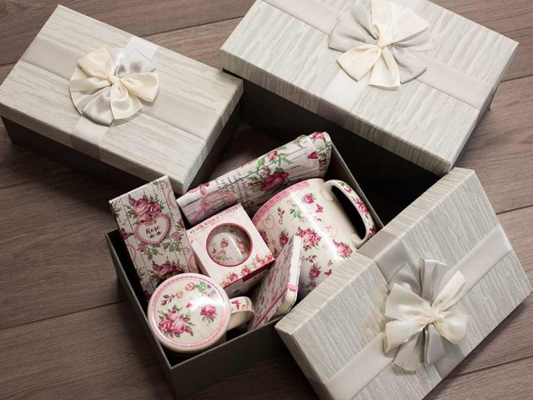 Dárková sada hrníčků a čaje v krabici