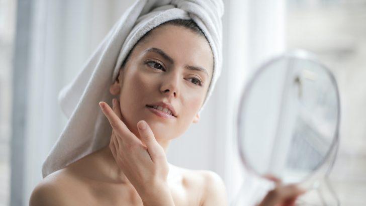 Co způsobuje stárnutí kůže a jak s ním bojovat?